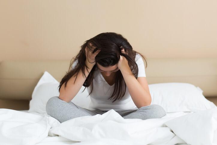 Kvinde der er fortvivlet over spontan abort