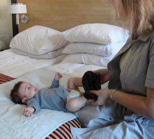 Klog baby øvelser med jordemoder