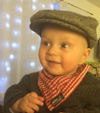 carl med hat og savlesmæk på.