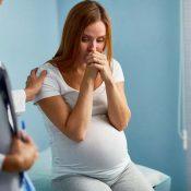Mor nervøs for sin baby inde i maven