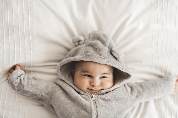 Sovevaner - gode sovevaner og dårlige sovevaner hos baby, baby vågner op af dejlig lur
