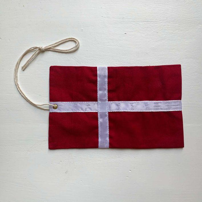 Flag i stof fra Baby Instituttet