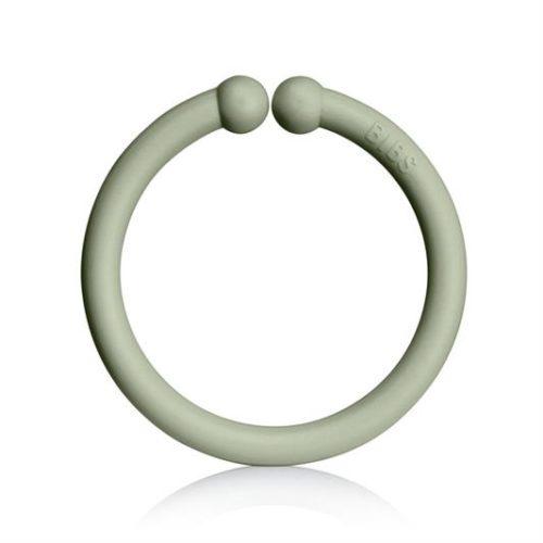 Loops lege ringe fra Bibs i salvie, mørk eg og vanilje (12 stk).