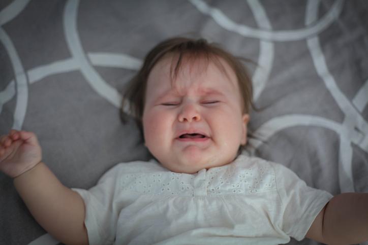 Baby har ondt ørene og kan ikke sove, har dårlig nattesøvn