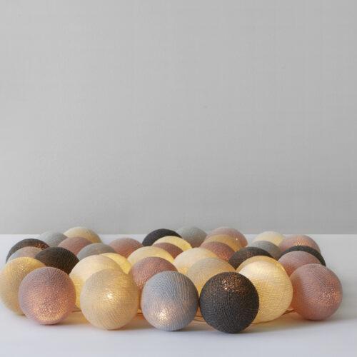 Lyskæde med bolde i Blush fra Iris lights, 20 stk.