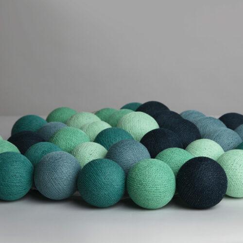 Lyskæde med bolde i Cool mint fra Iris lights, 20 stk.