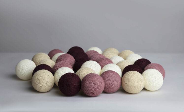 Lyskæde med bolde i Dusty pink fra Iris lights, 20 stk.