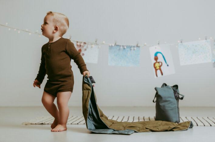 Tyngdedyne fra babydynen I army og blå