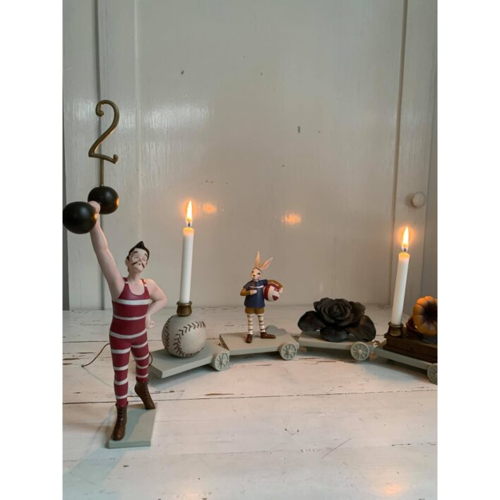 fødselsdagstog fra konges sløjd, strong man med lys
